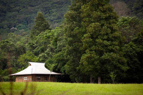 shire-eco-lodge-chalet-setting